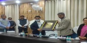 गोरखपुर विश्वविद्यालय सहित उत्तर प्रदेश के सभी विश्वविद्यालयोंमें गो विज्ञान प्रशिक्षण:डॉ. वल्लभभाई कथीरिया